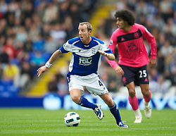 BIRMINGHAM, ENGLAND - Saturday, October 2, 2010: Birmingham City's Lee Bowyer in action against Everton during the Premiership match at St Andrews. (Photo by David Rawcliffe/Propaganda)