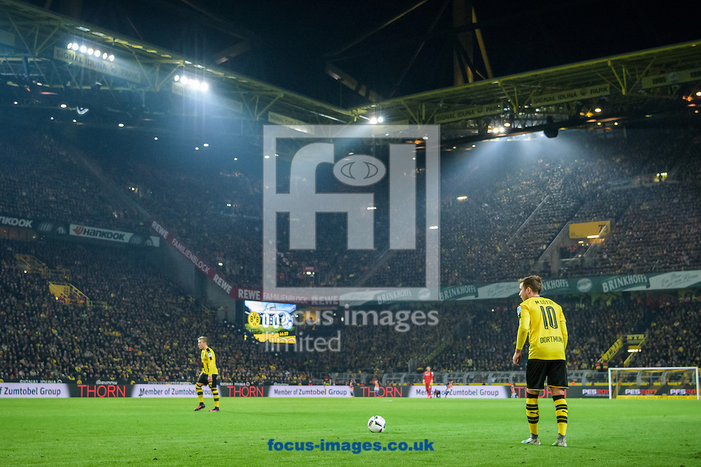 A general view during the Bundesliga match at Signal Iduna Park, Dortmund<br /> Picture by EXPA Pictures/Focus Images Ltd 07814482222<br /> 29/10/2016<br /> *** UK &amp; IRELAND ONLY ***<br /> EXPA-EIB-161030-0054.jpg
