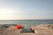 Scarico fognario abusivo nel mar Mediterraneo presso Carini in Sicilia.<br /> illegal sewage into the Mediterranean Sea at Carini in Sicily