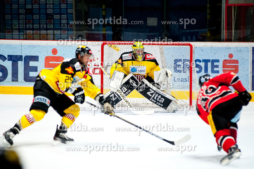 18.01.2015, Ice Rink, Znojmo, CZE, EBEL, HC Orli Znojmo vs UPC Vienna Capitals, 40. Runde, im Bild v.l. Sven Klimbacher (UPC Vienna Capitals ) Matthew Zaba (UPC Vienna Capitals) Adam Havlik (HC Orli Znojmo) // during the Erste Bank Icehockey League 40th round match between HC Orli Znojmo and UPC Vienna Capitals at the Ice Rink in Znojmo, Czech Republic on 2015/01/18. EXPA Pictures © 2015, PhotoCredit: EXPA/ Rostislav Pfeffer