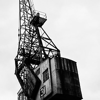 A B&W photograph pf one of the Bristol Dock cranes.