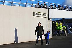 Fans arrive at the Etihad Stadium - Mandatory by-line: Matt McNulty/JMP - 06/01/2018 - FOOTBALL - Etihad Stadium - Manchester, England - Manchester City v Burnley - Emirates FA Cup Third Round