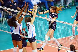 18-06-2016 ITA: World Grand Prix Italie - Nederland, Bari<br /> Nederland wint opnieuw van Italie, het ging moeizaam maar de 3-1 winst was genoeg / Cristina Chirichella #11 of Italie, Celeste Plak #4, Yvon Belien #3<br /> <br /> <br /> ***NETHERLANDS ONLY***