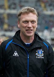 NEWCASTLE, ENGLAND - Saturday, March 5, 2011: Everton's manager David Moyes is all smiles before his side's 2-1 victory over Newcastle United during the Premiership match at St. James' Park. (Photo by David Rawcliffe/Propaganda)
