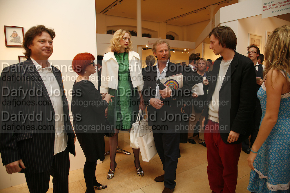 DANNY MOYNIHAN, POLLY MORLAND, GWENDOLINE CHRISTIE, RICHARD HUDSON AND HENRY HUDSON, Opening of Photo-London, Burlington Gdns. London. 17 May 2006. ONE TIME USE ONLY - DO NOT ARCHIVE  © Copyright Photograph by Dafydd Jones 66 Stockwell Park Rd. London SW9 0DA Tel 020 7733 0108 www.dafjones.com