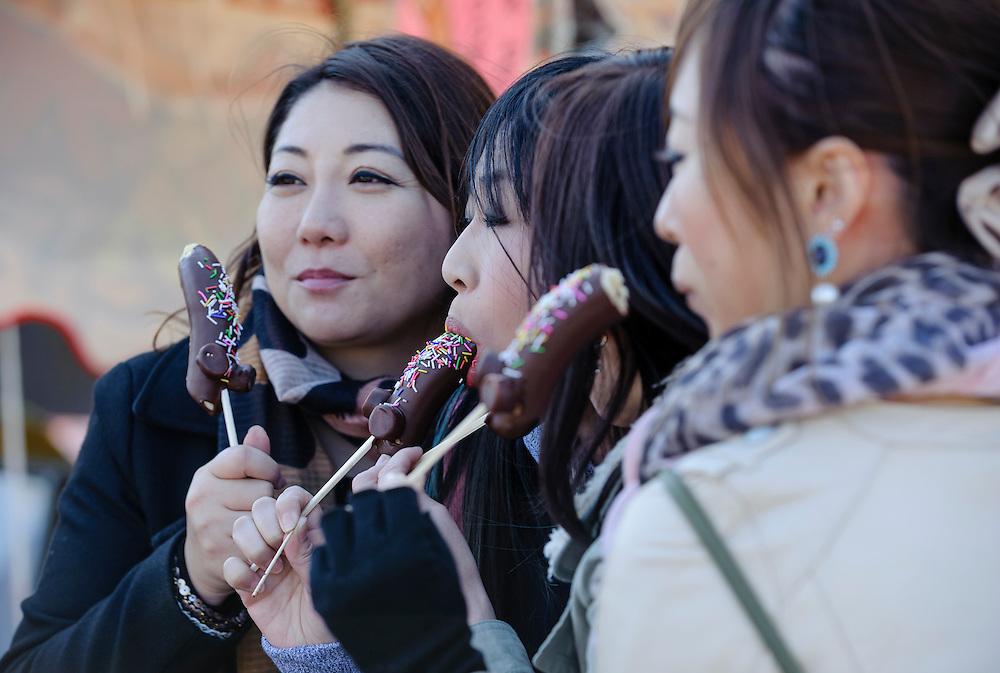 Japan penis gallery, massage by naked ukraine girls