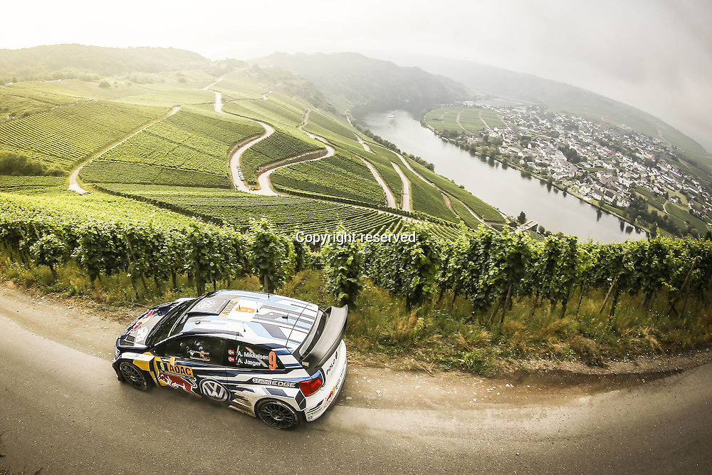 19.08.2016. Mosel, Germany. WRC ADAC rally of Germany, SS3 and SS4.  Andreas Mikkelsen ( NOR ) and Jaeger Synnevag ( NOR ) - Volkswagen Polo