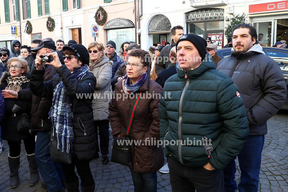 PROTESTA CONSULTA OSPEDALE SAN CAMILLO CONTRO ARRIVO PROFUGHI