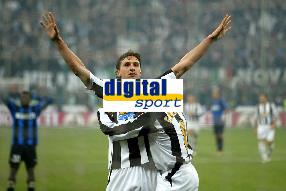 Milano 28-11-04<br /> <br /> Campionato di calcio Serie A 2004-05<br /> <br /> Inter Juventus<br /> <br /> nella  foto  Ibrahimovic esulta dopo il suo gol con Emerson<br /> <br /> Zlatan Ibrahimovic and Emerson Ferreira celebrate goal of 0-2 for Juventus<br /> <br /> Foto Snapshot / Graffiti