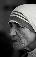 Mother Teresa durng a mass to celebrate the opening of the new Missionaries of Charity center in Jenkins, KY.