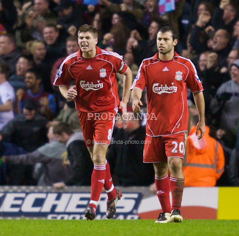 LIVERPOOL, ENGLAND - Monday, January 21, 2008: Liverpool's Jamie Carragher, captain Steven Gerrard MBE, Javier Mascherano and Sami Hyypia look dejected as Aston Villa score their second goal during the Premiership match at Anfield. (Photo by David Rawcliffe/Propaganda)