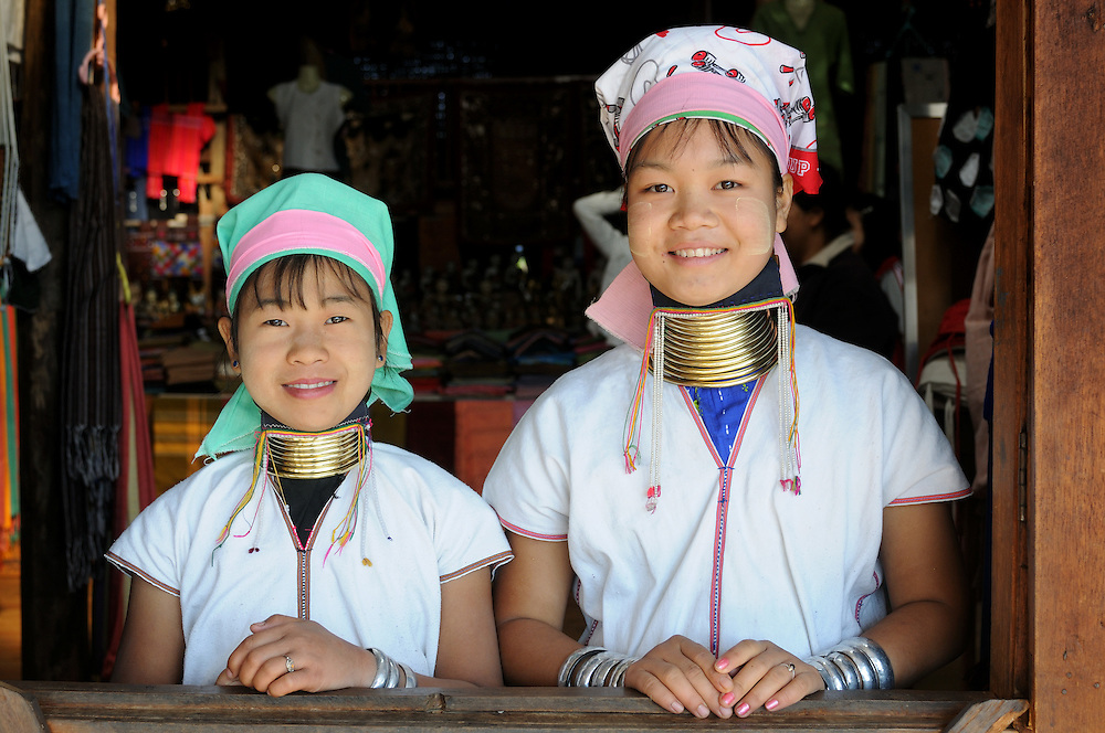 Long neck girl from the tribe of the Padaung, Inle Lake, Mynamar, Asia