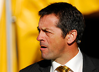 Photo: Leigh Quinnell.<br /> Watford v Hull City. Coca Cola Championship. 20/10/2007. Hull manager Phil Brown looks on.