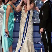 NLD/Hilversum/20080301 - Finale Idols 2008, winnares nikki met Wendy van Dijk
