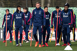 (L-R) David Neres of Ajax, Siem de Jong of Ajax, Justin Kluivert of Ajax, Luis Orejuela of Ajax during the trainings session of Ajax Amsterdam at the Toekomst on January 30, 2018 in Amsterdam, The Netherlands
