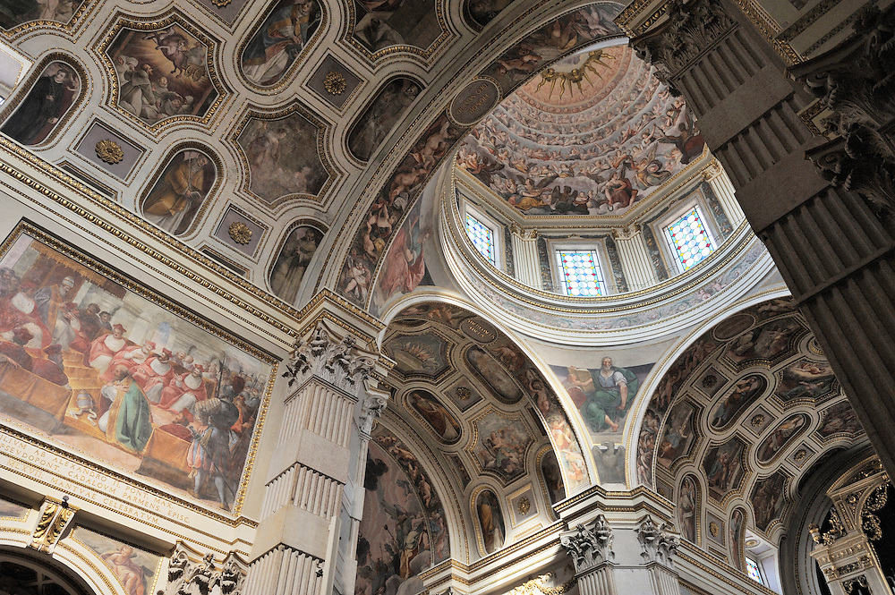 The Duomo di Mantova. Late Renaissance cathedral interior by Giulio Romano. Mediaeval Italian city of Mantua, Lombardy Italy.
