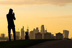 2017-09-11 London sunrise seen from Primrose Hill.