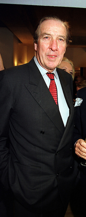 SIR SIMON HORNBY at a party in London on 9th November 1999.MYU 42 MOLO