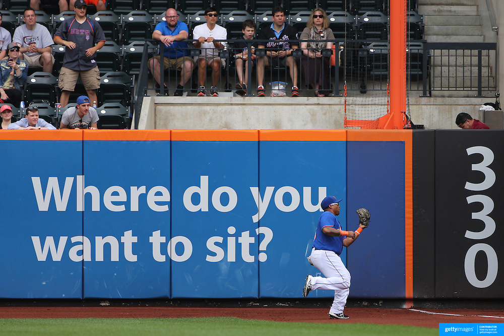 Marlon Byrd, New York Mets, makes a catch at right field during the New York Mets V Miami Marlins, Major League Baseball game which went for 20 innings and lasted 6 hours and 25 minutes. The Marlins won the match 2-1. Citi Field, Queens, New York. 8th June 2013. Photo Tim Clayton