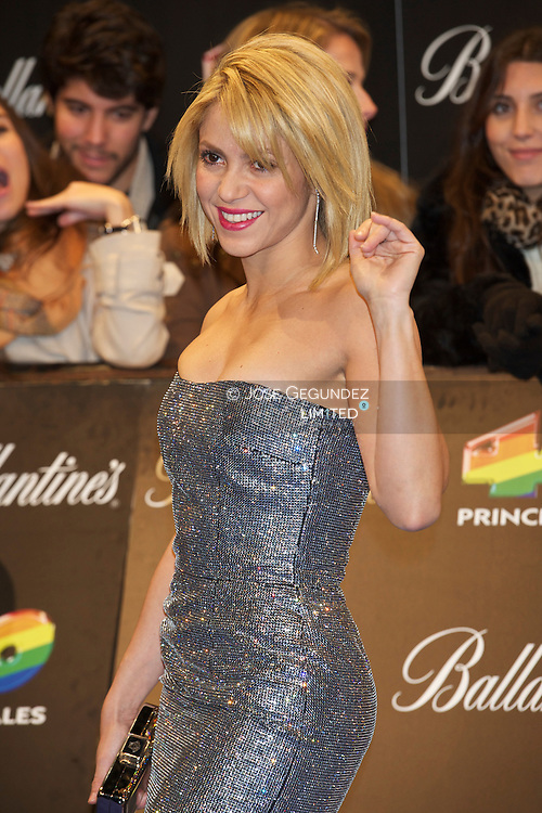 Shakira attends '40 Principales Awards 2011' photocall at Palacio de los Deportes on December 9, 2011 in Madrid, Spain.