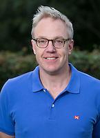 BLOEMENDAAL - Videoman Frederik Kooij, HC Bloemendaal , seizoen 2012-2013. COPYRIGHT KOEN SUYK