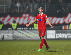 05.12.2014, Voith-Arena, Heidenheim, GER, 2. FBL, 1. FC Heidenheim 1846 vs VfR Aalen, 16. Runde, im Bild Kevin Kraus ( 1.FC Heidenheim ) fassungslos, verlaesst das Feld<br />