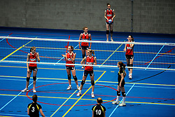 11-04-2009 VOLLEYBAL: ASICS OPEN: APELDOORN <br /> In Apeldoorn werden de finales van AsicsOpen georganiseerd / Sneek - jeugd<br /> ©2009-WWW.FOTOHOOGENDOORN.NL