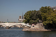 France. Paris. 4th doistrict.  Henri IV quay on the seine river banks