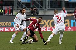 20.02.2010, EasyCredit Stadion, Nürnberg, GER, 1. FBL, 1. FC Nuernberg vs FC Bayern Muenchen, Saison 09 10, im Bild Dreikampf zwischen Martin Demichelis (Bayern #6), Eric Maxim Choupo-Moting (FCN #14) und Bastian Schweinsteiger (Bayern #31). EXPA Pictures © 2010 for Austria, Italy and GBR only, Photographer EXPA / NPH  / Becher / for Slovenia SPORTIDA PHOTO AGENCY.