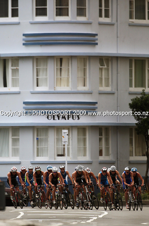 The Contact Men's Cup competitors cycle down Oriental Parade.<br /> Contact Tri-Series National Triathlon Championships and ITU Oceania Cup at Wellington Waterfront, Wellington , New Zealand. Saturday 7 March 2009. Photo: Dave Lintott/PHOTOSPORT
