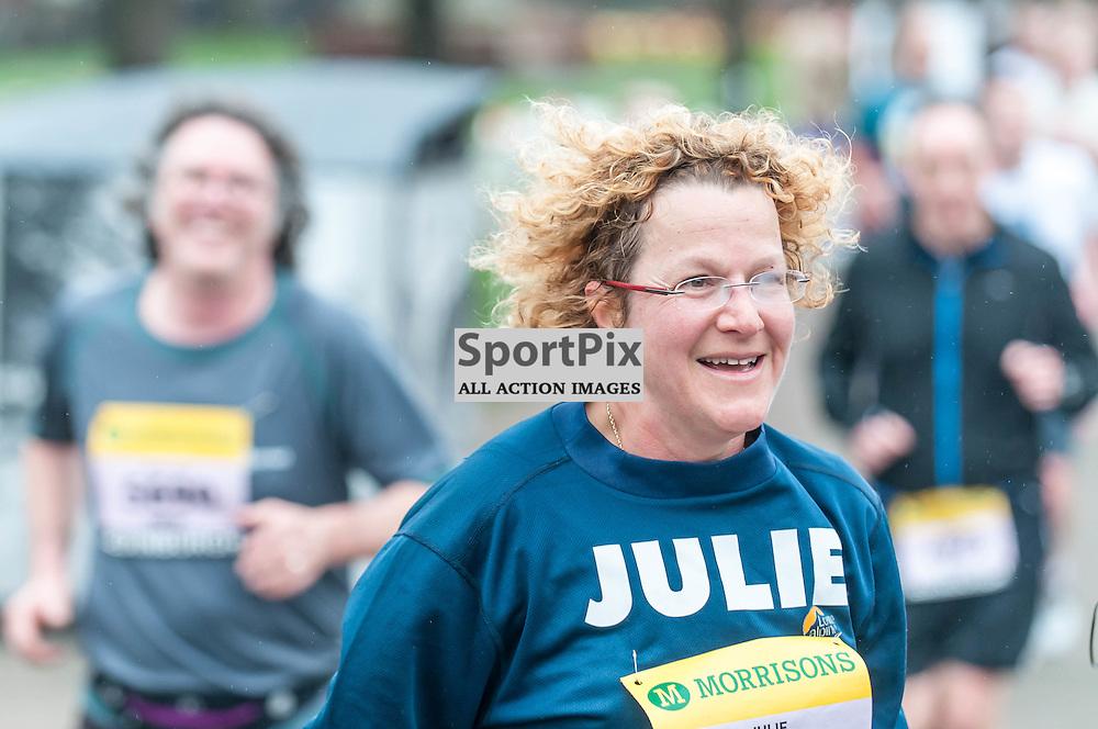 Runners pass through Princes Gardens during the Great Edinburgh Run. 19 April 2015. (c) Paul J Roberts / Sportpix.org.uk