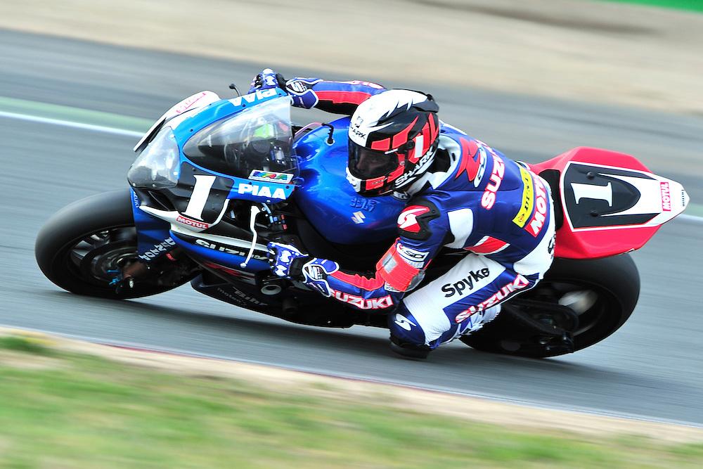 Fabien Foret sur la suzuki n°1 du SERT lors du 76ème Bol d'Or,le 14 Avril 2012 sur le Circuit de Nevers Magny-Cours.