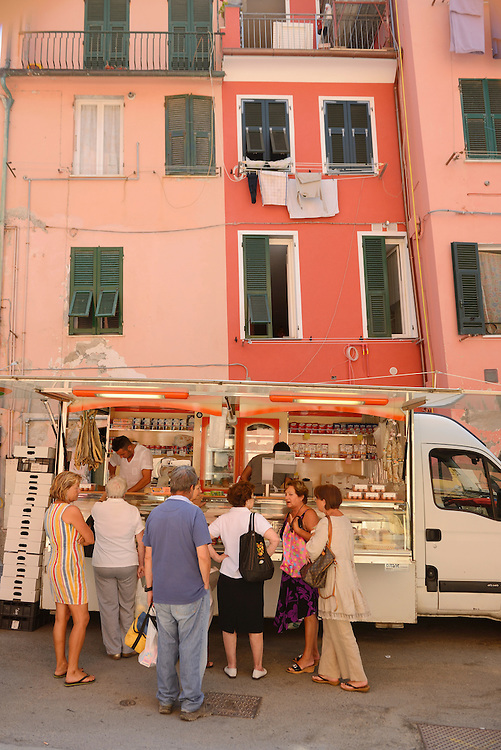 Food Cart ,Town of Vernazza, Cinque Terre, Liguria, Italian Riviera, Italy, Europe