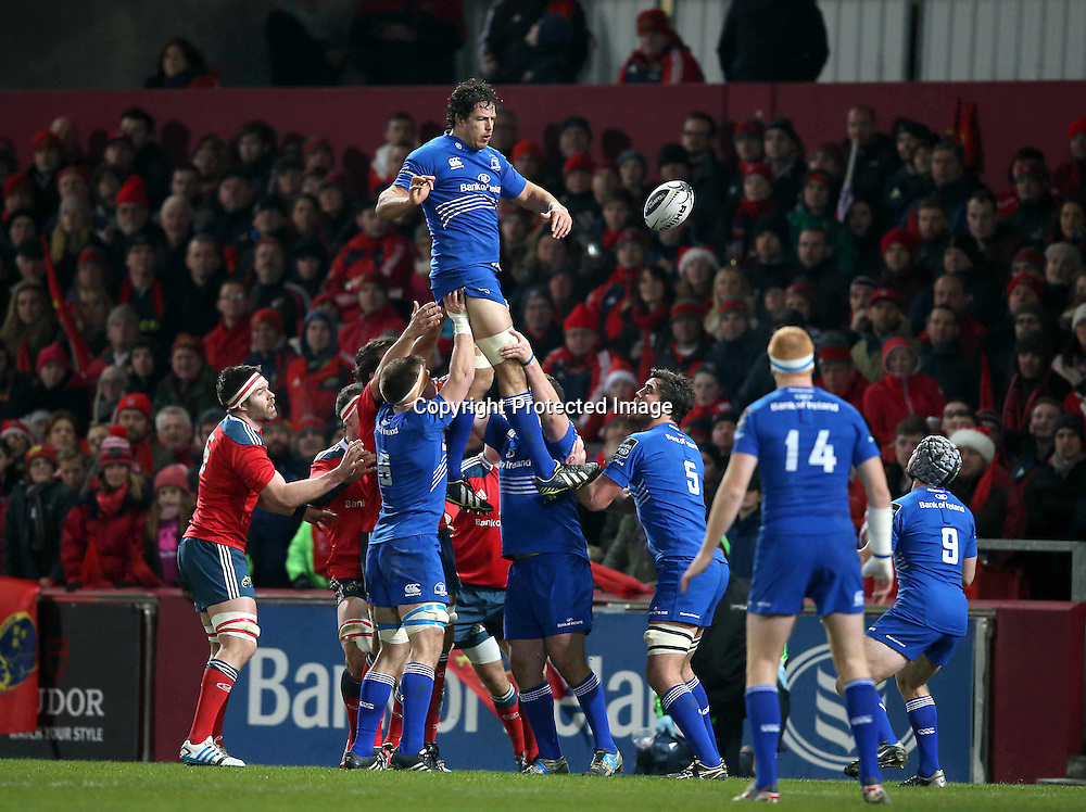 Guinness PRO12, Thomond Park, Limerick 26/12/2014<br /> Munster vs Leinster<br /> Leinster&rsquo;s Mike McCarthy wins a lineout<br /> Mandatory Credit &copy;INPHO/Billy Stickland