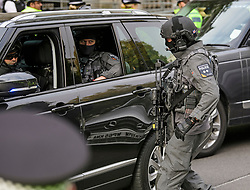 © Licensed to London News Pictures. 02/11/2017. London, UK. CT-SFO armed anti-terrorism police watch over as Israeli Prime Minister Benjamin Netanyahu arrives at Downing Street in London . Mr Netanyahu is holding bilateral talks with Foreign Secretary Boris Johnson and Prime Minister Theresa May in London today. Photo credit: London News Pictures