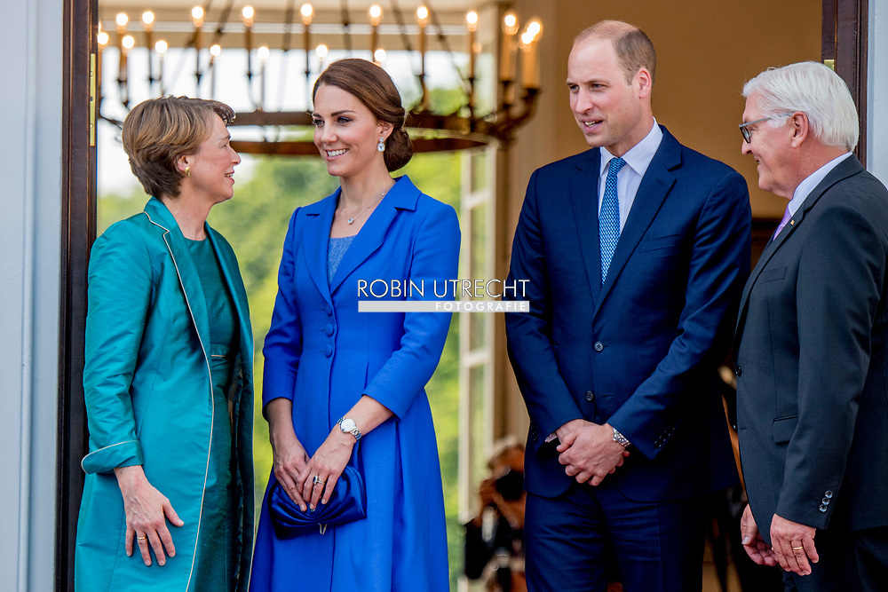 19-7-2017 - BERLIN GERMANY  The Duke and Catherine Duchess of Cambridge Princess Kate and Prince William Meeting with the Federal President Frank-Walter Steinmeier  Bellevue Palace Gardens <br />    The Duke and Duchess of Cambridge  During a 3 day visit to Germany. COPYRIGHT ROBIN UTRECHT