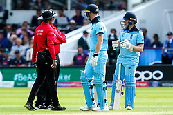 Eoin Morgan of England speaks to the umpires - Mandatory by-line: Robbie Stephenson/JMP - 14/07/2019 - CRICKET - Lords - London, England - England v New Zealand - ICC Cricket World Cup 2019 - Final