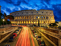 Von Ende April bis Ende Dezember wird das Kolosseum in der Nacht für Führungen geöffnet. Von Oktober bis März ist am ersten Sonntag im Monat der Eintritt zum Kolosseum in Rom frei und entsprechend lang sind die Warteschlangen.
