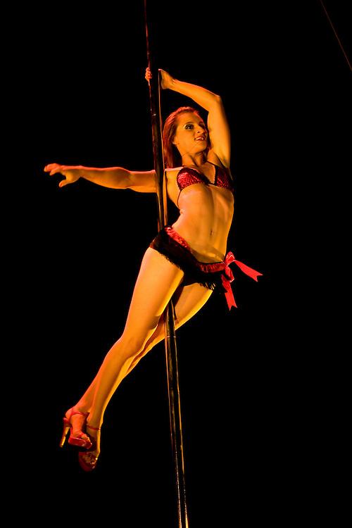 Lundi 14 Septembre 2009. Paris, France..Premiere competition Officielle de Pole Dance en France..20eme Theatre (Paris 20eme)..Caroline Bourgeois