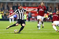 28.10.2017 - Milano - Serie A 2017/18 - 11a giornata  -  Milan-Juventus nella  foto: Gonzalo Higuain segna il gol del 2 a 0