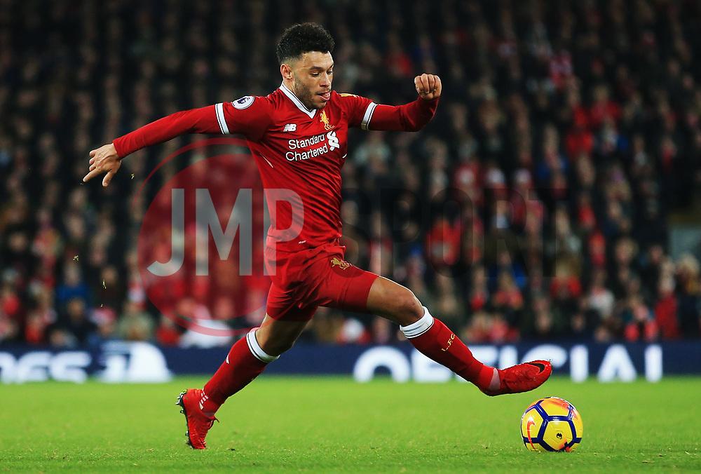 Alex Oxlade-Chamberlain of Liverpool - Mandatory by-line: Matt McNulty/JMP - 26/12/2017 - FOOTBALL - Anfield - Liverpool, England - Liverpool v Swansea City - Premier League