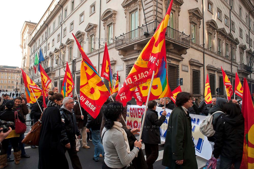 Roma, 15 Dicembre  2011.Manifestazione dell'USB contro il governo Monti davanti  Palazzo Chigi.