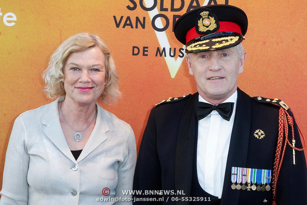NLD/Katwijk/20120325 - 500ste Voorstelling musical Soldaat van Oranje, Peter van Uhm en partner