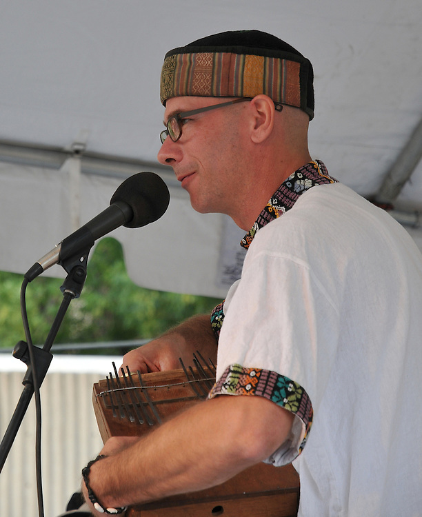 Martin Klabunde concert at 2010 Tucson Folk Festival. Event photography by Martha Retallick.