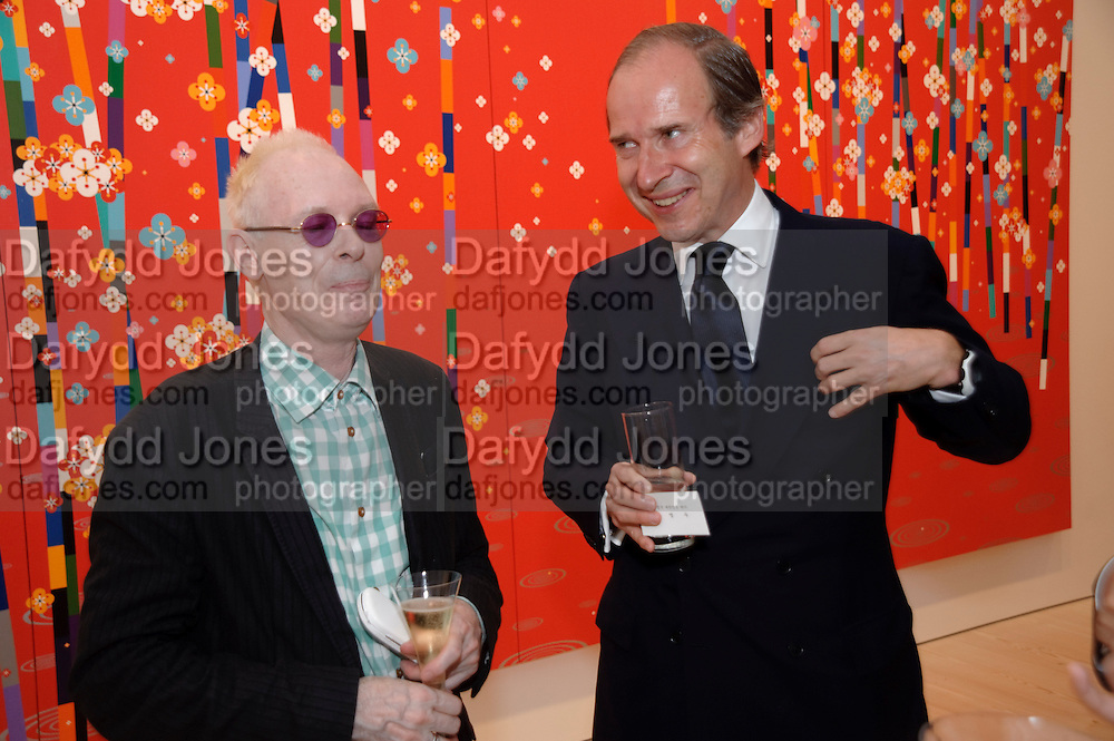 ANTONY FAWCETT; SIMON DE PURY, Korean Eye Dinner  hosted by The Dowager Viscountess Rothermere and Simon De Pury.Sponsored by CJ, Korean Food Globalization Team, Hino Consulting and Visit Korea Committee. Phillips de Pury Space, Saatchi Gallery.  Sloane Sq. London. 2 July 2009.
