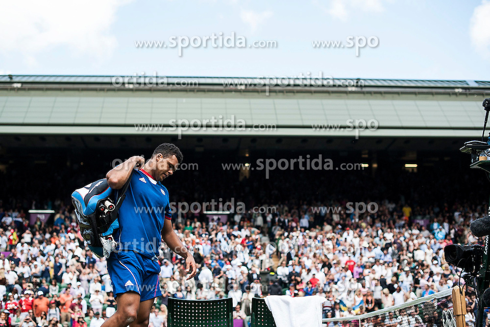 02.08.2012, Wimbledon, London, GBR, Olympia 2012, Tennis, im Bild Jo Wilfried Tsonga (FRA) // during Tennis, at the 2012 Summer Olympics at Wimbledon, London, United Kingdom on 2012/08/02. EXPA Pictures © 2012, PhotoCredit: EXPA/ Freshfocus/ Valeriano Di Domenico..***** ATTENTION - for AUT, SLO, CRO, SRB, BIH only *****