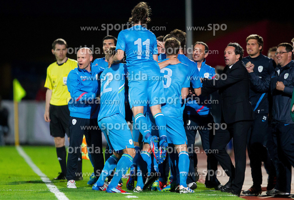 Players of Slovenia and Slavisa Stojanovic, head coach of Slovenia celebrate after Kurtic scored during friendly football match between national teams of Slovenia and Greece, on May 26, 2012 in Kufstein, Austria.   (Photo by Vid Ponikvar / Sportida.com)
