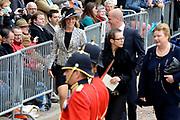 Prinsjesdag 2013 - Aankomst Parlementariërs bij de Ridderzaal op het Binnenhof.<br /> <br /> Op de foto: Tweede Kamerlid Lea Bouwmeester (PvdA) en fractievoorzitter van de PVDA Diederik Samsom