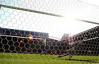 Foto Omega/Colombo<br /> 26/06/2006 Campionati Mondiali di Calcio 2006<br /> Ottavi di Finale <br /> Italia -Australia  <br /> nella foto : il rigore di francesco Totti