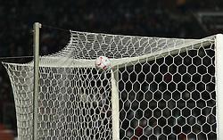 18.12.2010, Weserstadion, Bremen, GER, 1.FBL, Werder Bremen vs 1. FC Kaiserslautern, im Bild Feature Ein Fussball liegt auf dem Tornetz   EXPA Pictures © 2010, PhotoCredit: EXPA/ nph/  Frisch       ****** out ouf GER ******
